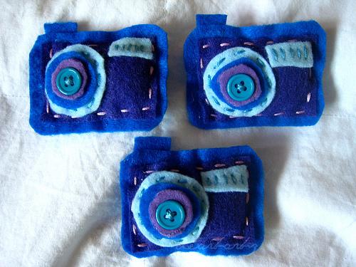 felt camera brooches
